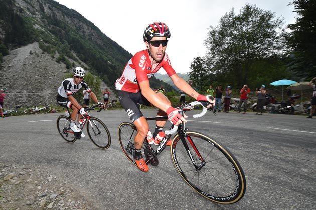 Froome rides closer to Tour history