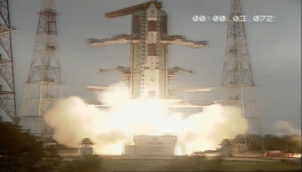 India Launches Advanced Earth-Mapping Satellite and 13 US Cubesats