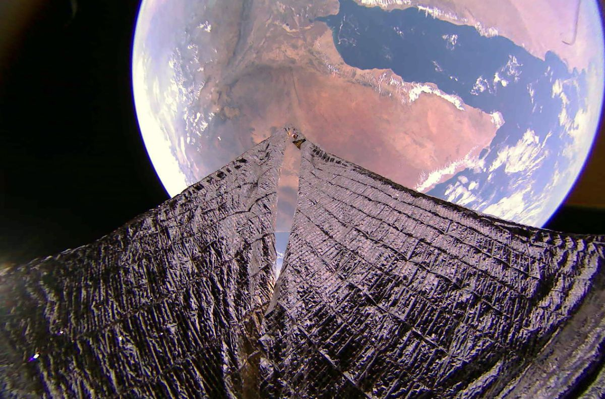 LightSail 2 captures stunning photos of Earth from space