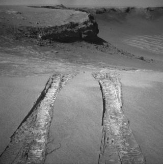 Mars Rover Leaves Crater for Martian Plains