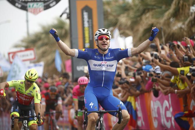 Elia Viviani (Quick-Step Floors) wins stage 2 of Giro d'Italia 2018