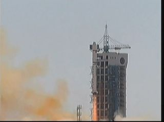 Chinese Long March Rocket Launches on April 26, 2013