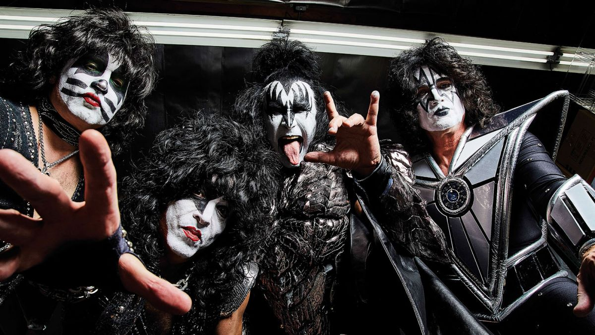 4bd5073c6 Kiss Legends Gene Simmons and Paul Stanley Talk Ace Frehley, Vinnie  Vincent, Bruce Kulick and More | Guitarworld