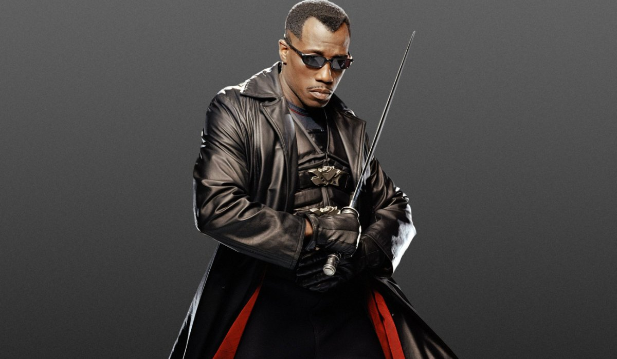 Blade: Trinity Wesley Snipes in costume, with his sword