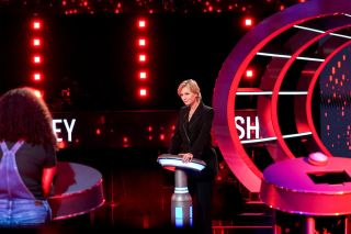 Jane Lynch hosts NBC's 'Weakest Link'