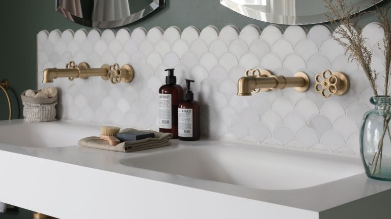 space-boosting tricks you can use when choosing tiles for small bathrooms