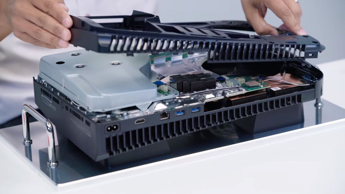 PS5 has faster Wi-Fi and USB ports than Xbox Series X