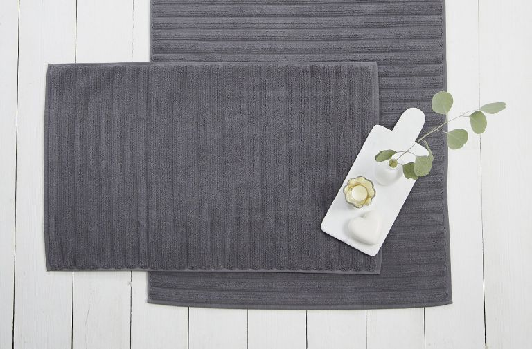 best bath mat: The White Company Hydrocotton Bath Mat