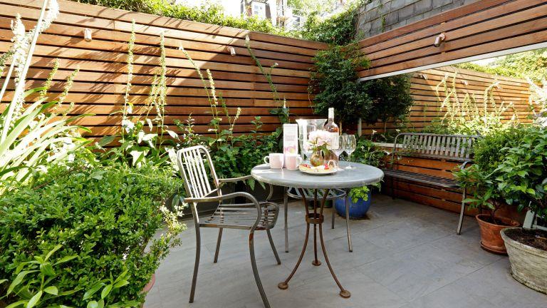 ideas for awkward shaped gardens: patio