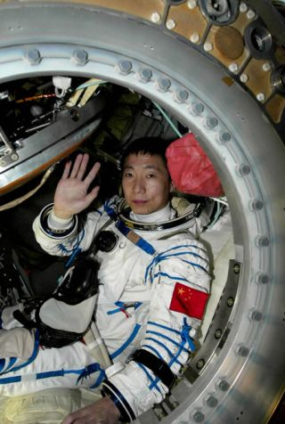 China Just Weeks From Second Manned Spaceflight
