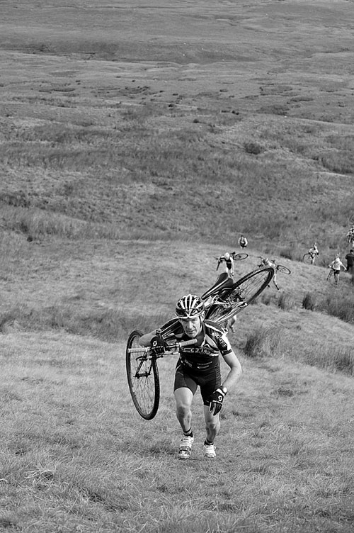 Nick Craig on Simon Fell, Three Peaks Cyclo-Cross 2010