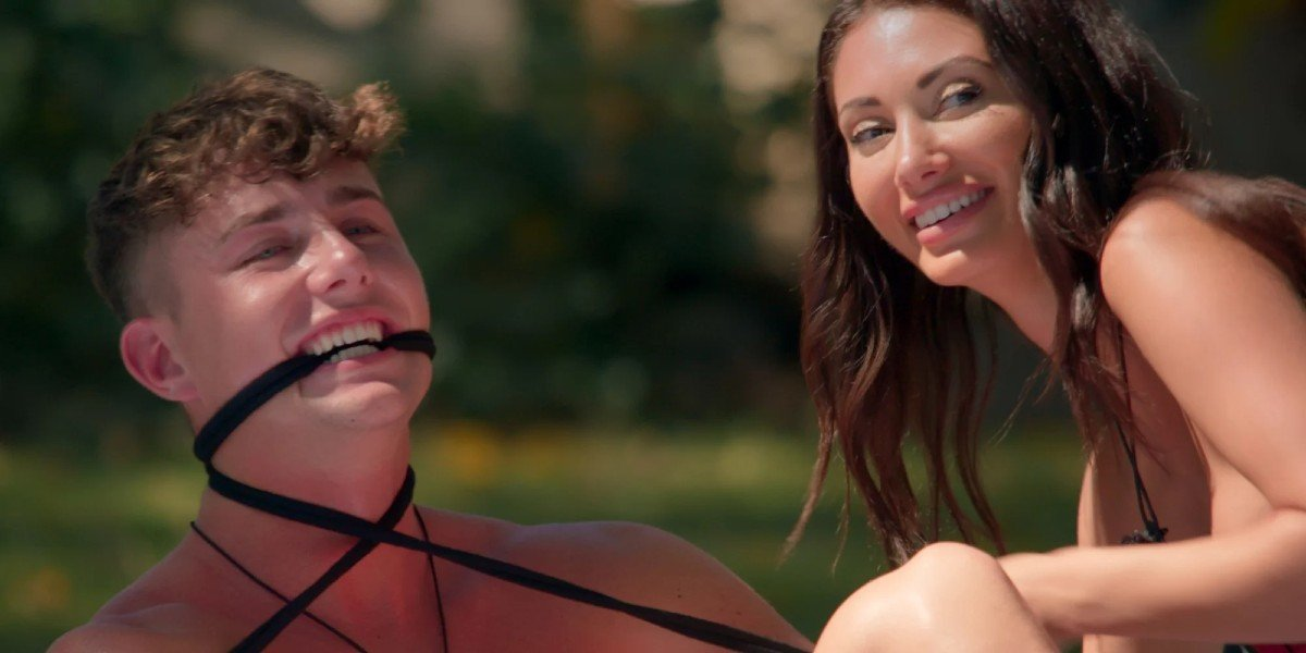 Francesca Farago and Harry Jowsey in Too Hot To Handle