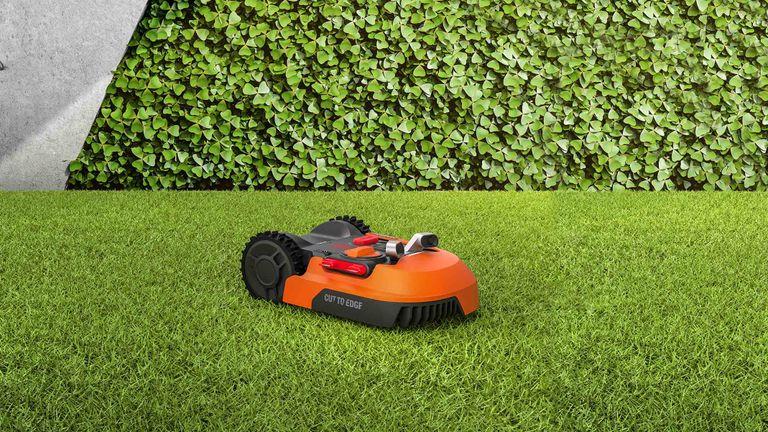 Worx Landroid M500 robot lawn mower
