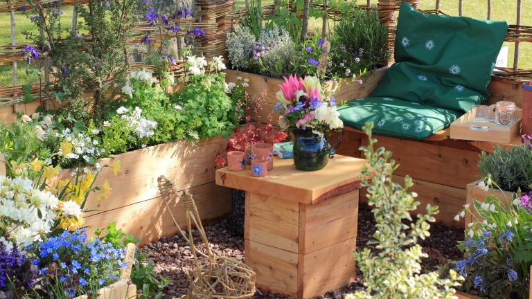 'Take some Thyme' show garden by Down 2 Earth Garden Design at Harrogate Spring Flower Show 2019