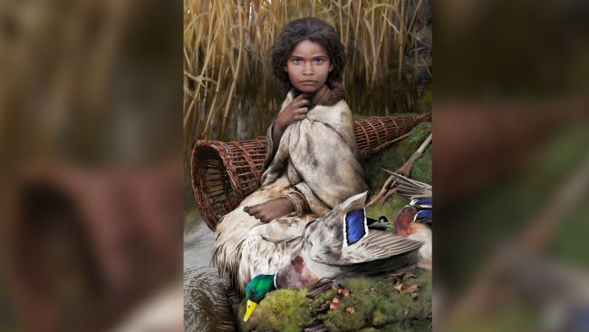 This is an artistic reconstruction of Lola, a 5,700-year-old woman whose appearance was reconstructed from DNA analysis of a chewed piece of birch pitch.