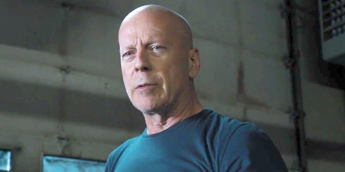 Bruce Willis shaves head