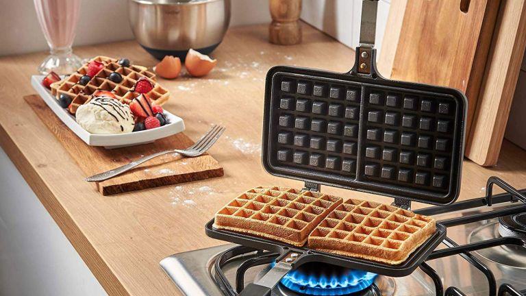 VonShef Stove Top Waffle Iron lifestyle image