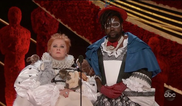 Oscars 2019 Melissa McCarthy and Brian Tyree Henry dressed in weird costumes presenting at the Oscar