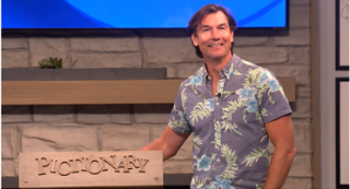 Jerry O'Connell, host of Pictionary