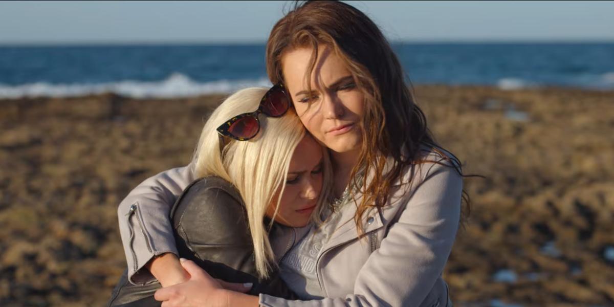 365 days netflix Anna-Maria Sieklucka Magdalena Lamparska beach hug