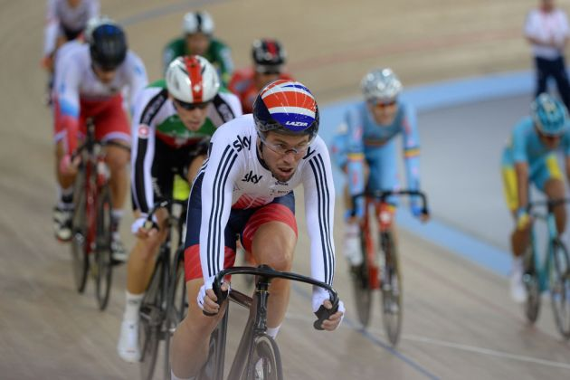 Mark Cavendish placed sixth in the opening roud of the men's omnium: the scratch race. He went on to place 13th in the individual pursuit, and second in the elimination race to end the day sixth overall at the half-way point.