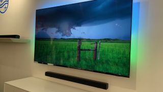 Philips HTL1510 is a budget Bluetooth soundbar with wireless sub