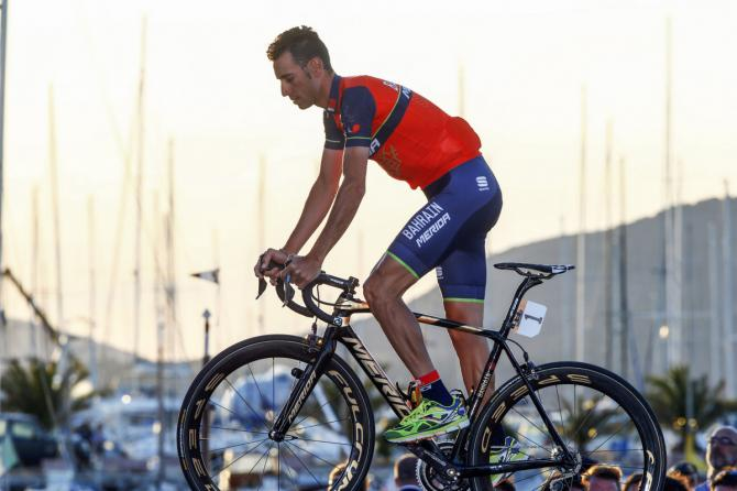 Vincenzo Nibali rolls on the platform for the team presentation