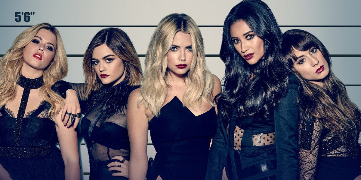 Sasha Pieterse, Lucy Hale, Ashley Benson, Troian Bellisario, and Shay Mitchell in Pretty Little Liars