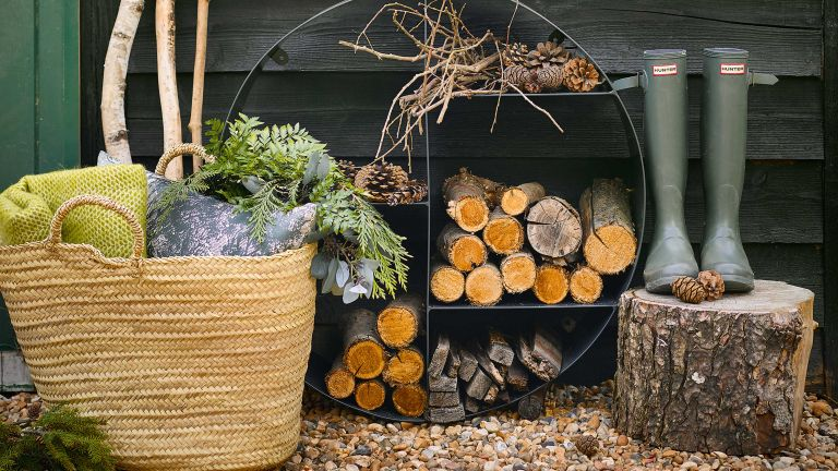 log store ideas: small log store with sections