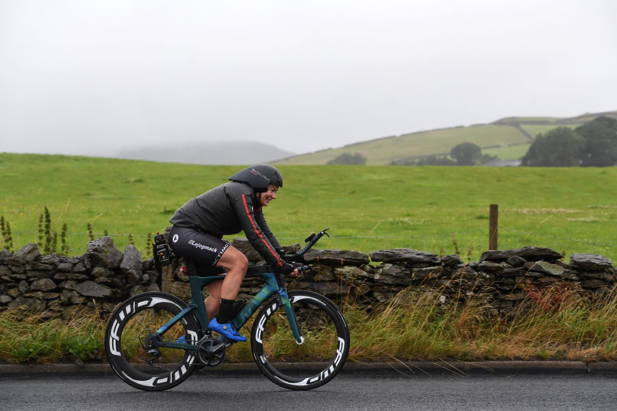 The women's Land's End to John O'Groats cycling record has been broken