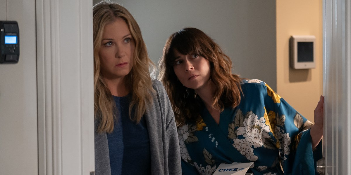 Christina Applegate and Linda Cardellini on Dead to Me