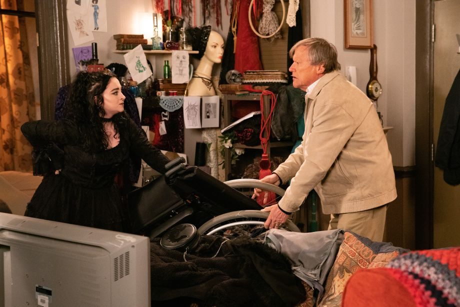 Coronation Street spoilers: Roy Cropper makes an enemy of Nina