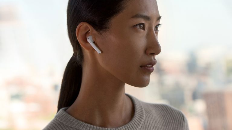 Apple's AirPods with wireless charging case might be seen early 2019