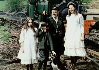 The Railway Children stars Bernard Cribbins with Jenny Agutter (on right), Gary Warren and Sally Thomsett.