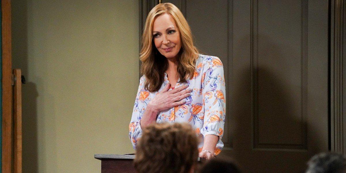 Bonnie Plunkett (Allison Janney) speaks during a meeting on Mom