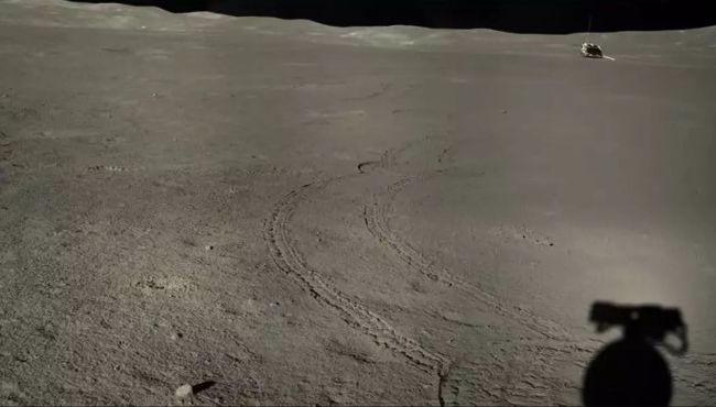 A stitched image from Yutu-2 looking back toward the Chang'e-4 lander during lunar day 7, in late June and early July 2019.