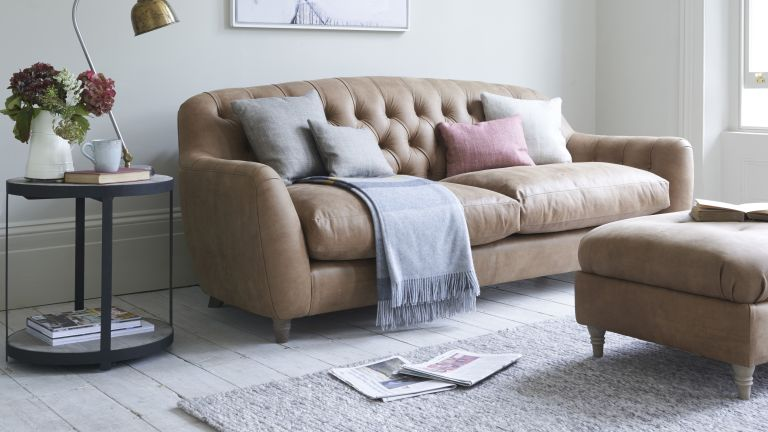 Butterbump sofa
