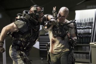 Matt Damon Fights in 'Elysium'