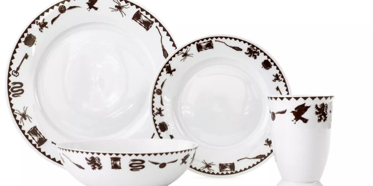 Harry Potter Creatures & Icons Dinnerware 4-Piece Set