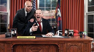 A shot of Corey Taylor behind the desk at the White House!