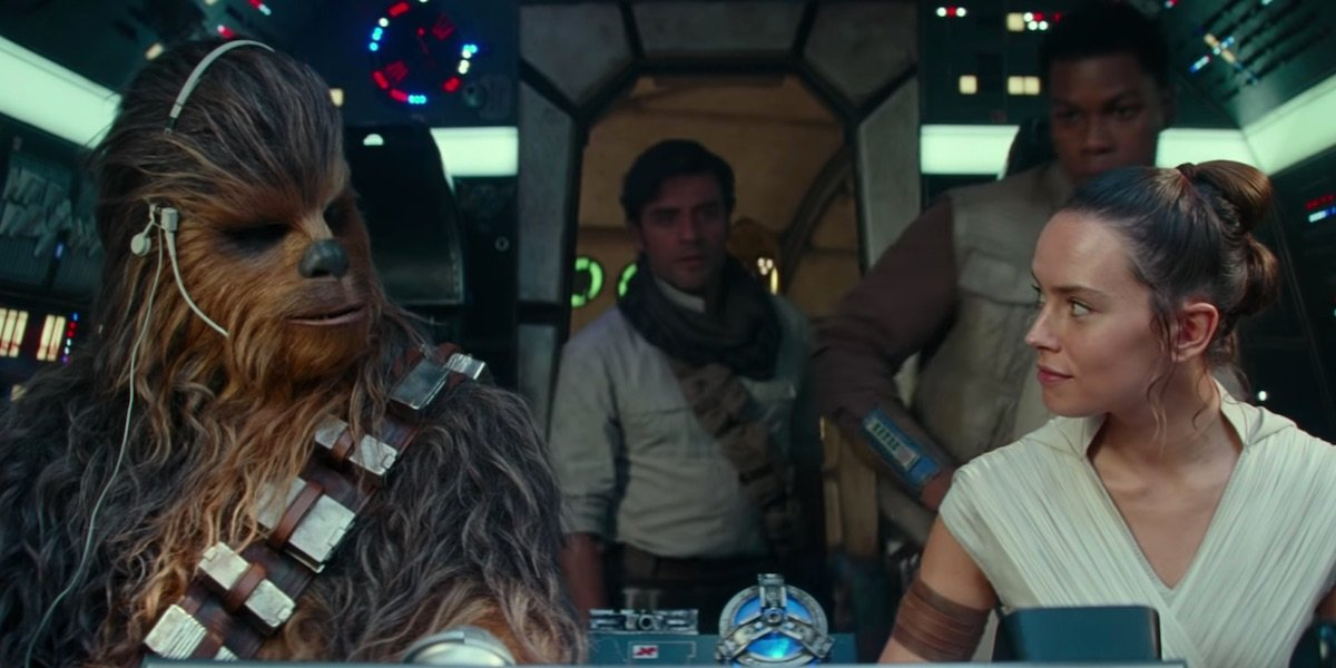 The heroes in the cockpit on the Falcon