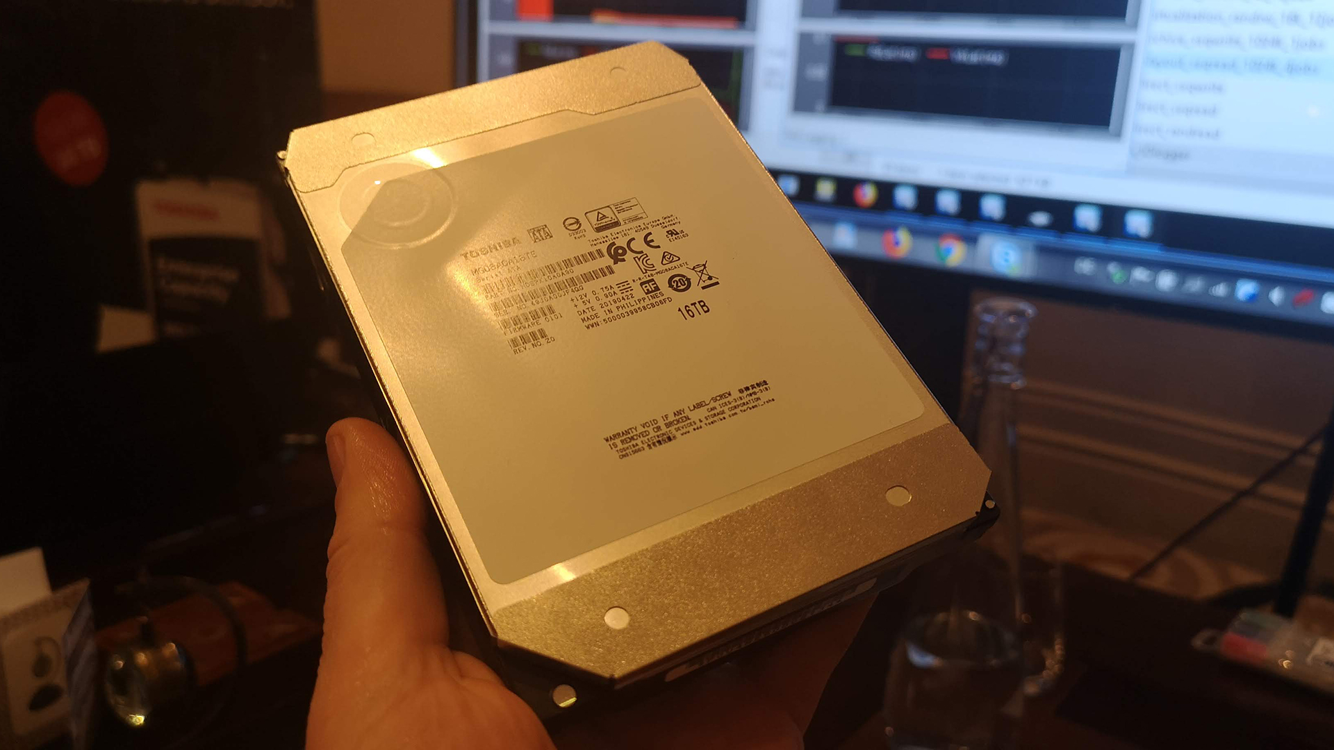 Close encounter with a 16TB HDD: Meet the Toshiba MG08 HDD