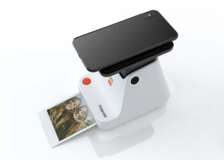 Print your smartphone photos with the brand new Polaroid Lab