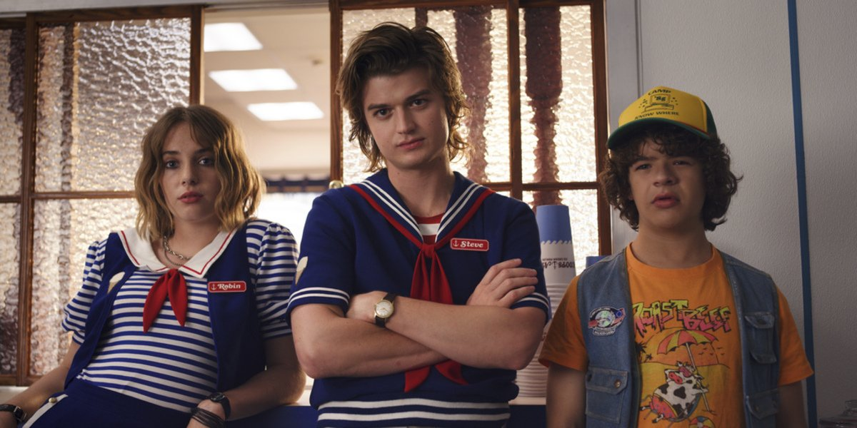 netflix stranger things season 3 robin steve dustin scoops ahoy