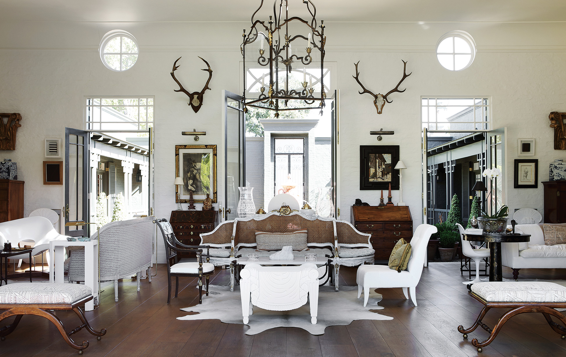 16 World Class Living Rooms From The Andrew Martin Interior Designer Review Homes Gardens