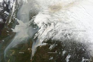 alberta-wildfires-1-110518