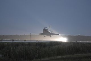 Shuttle Landing a 'Great Christmas Present,' NASA Says