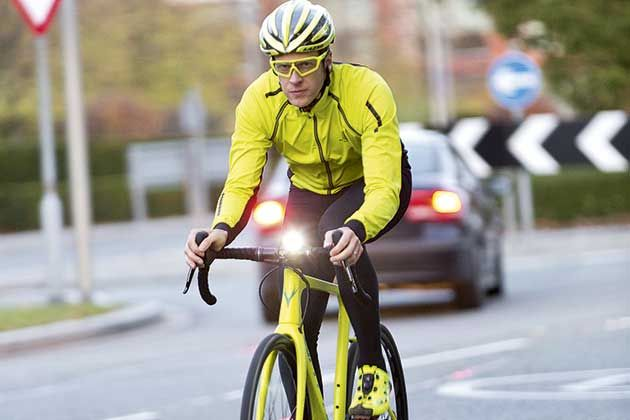 What is the evidence that wearing hi-vis clothing makes you a safer cyclist  2d0cdb79f
