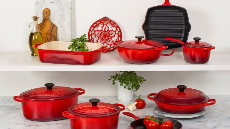 flipboard the best cheap le creuset sale deals for april 2019. Black Bedroom Furniture Sets. Home Design Ideas