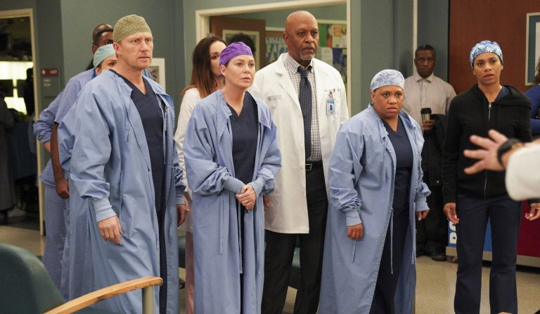 how to watch Grey's Anatomy cast in the latest season